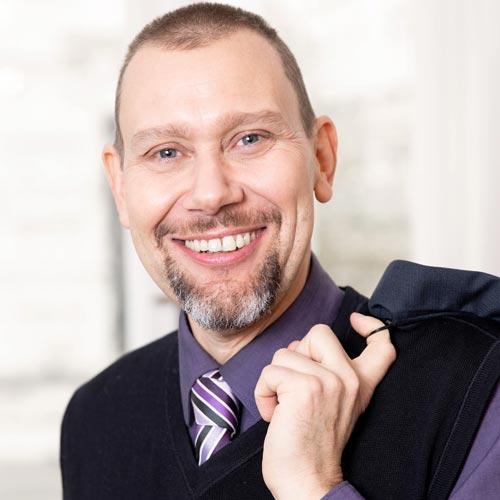 Dr. Ralph Trischler